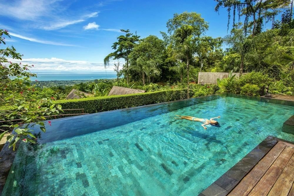 Infinity pool at Oxygen Jungle Villas