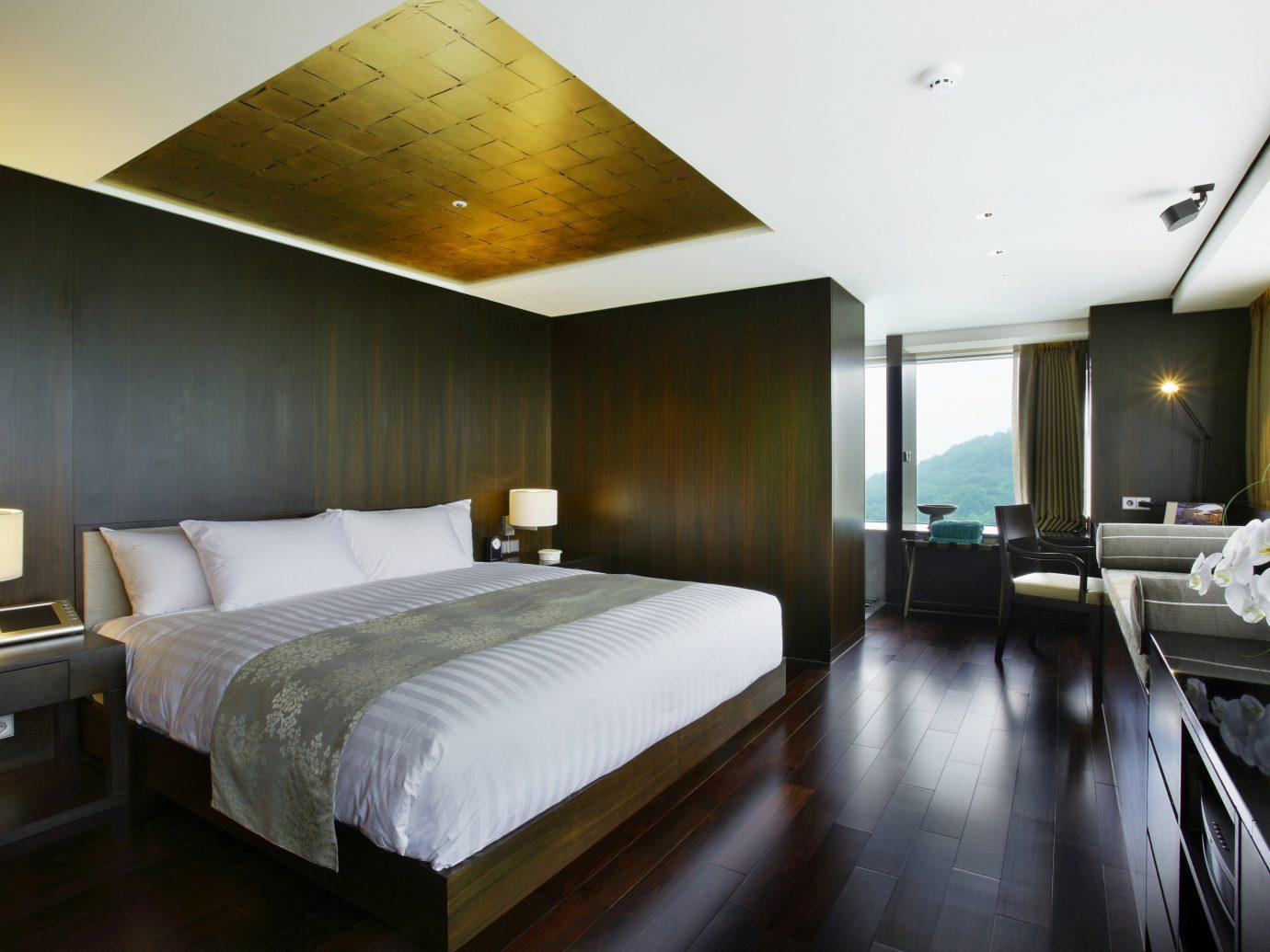 Hotels Luxury Travel indoor bed wall floor ceiling Bedroom room hotel property Suite interior design real estate estate yacht condominium apartment