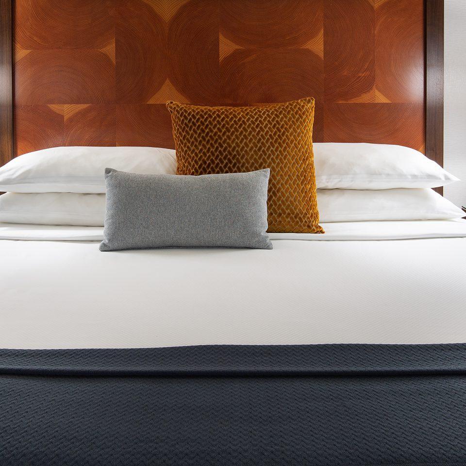 king bed detail