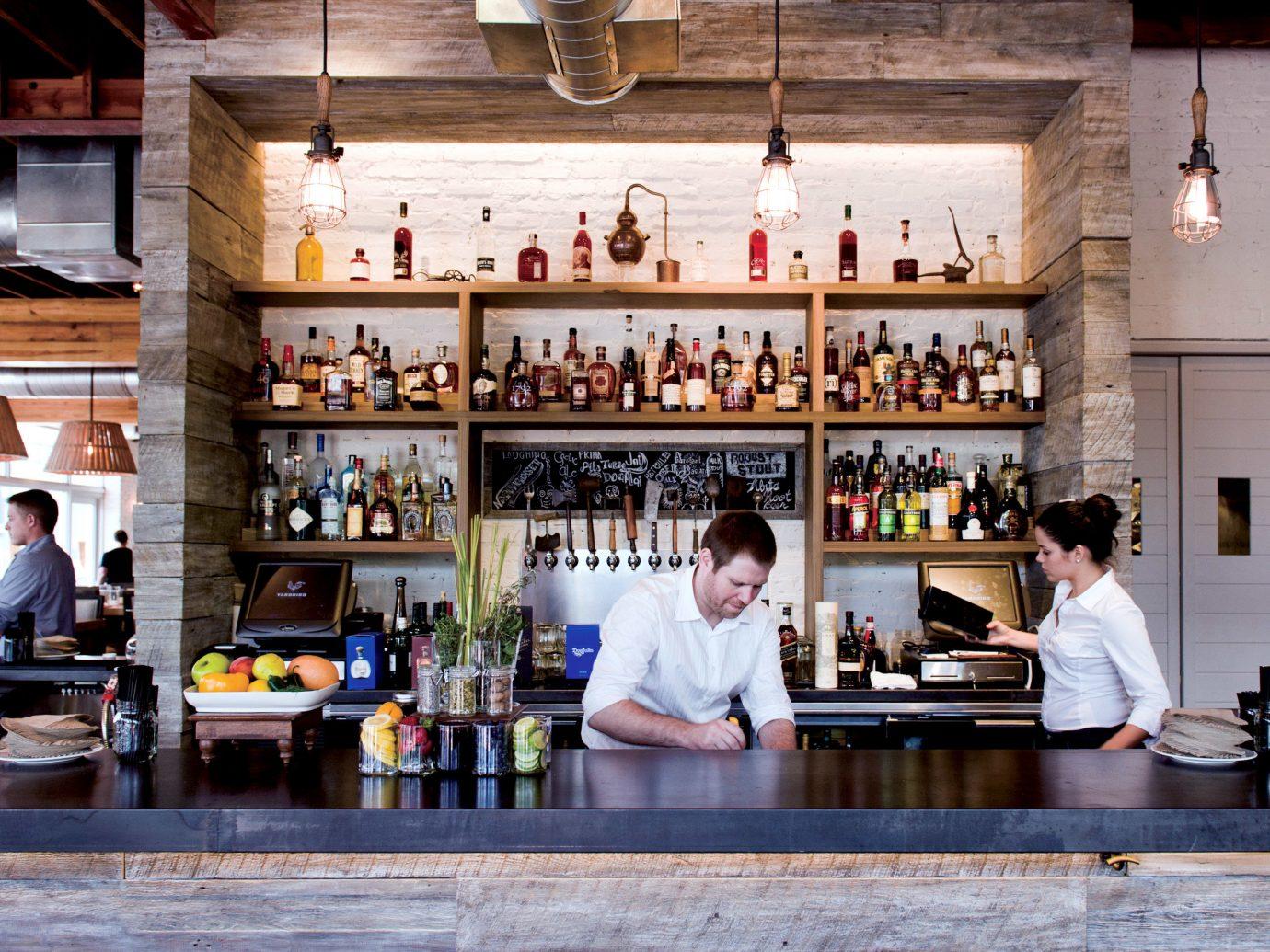 Travel Tips indoor counter restaurant Bar café interior design Drink coffeehouse cooking