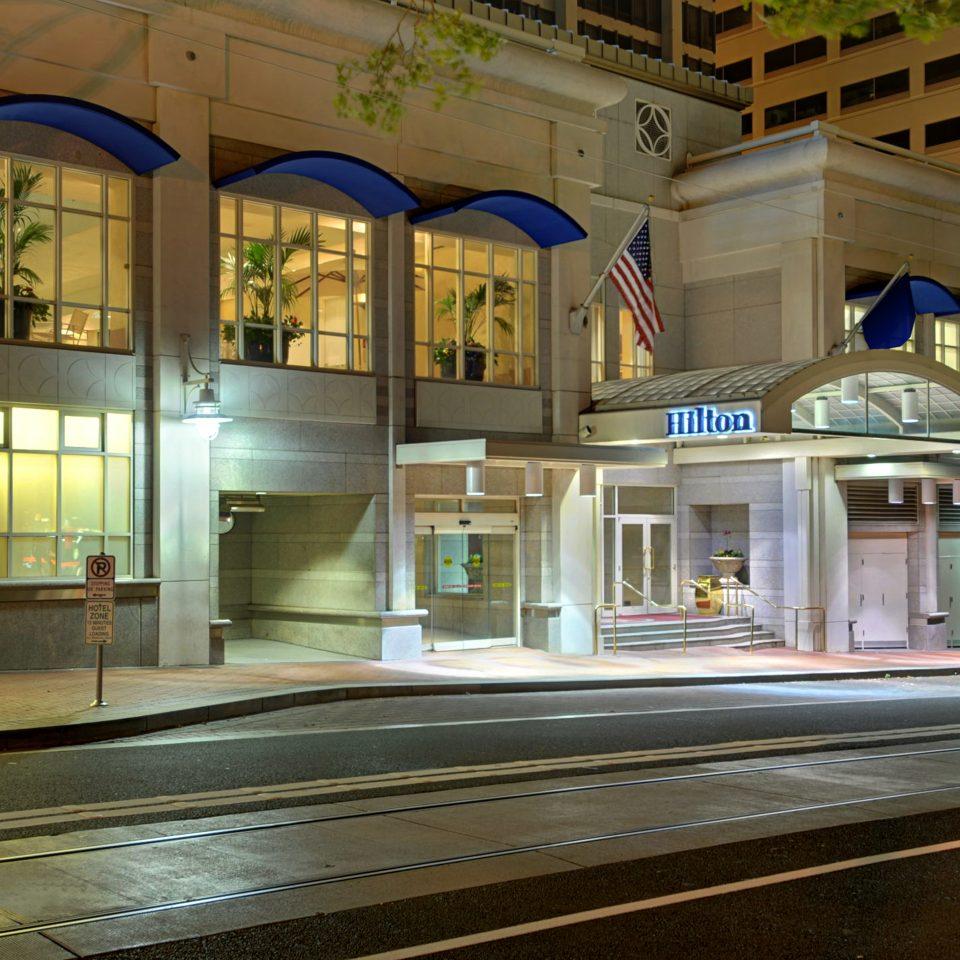 Exterior of Hlton Portland Downtown