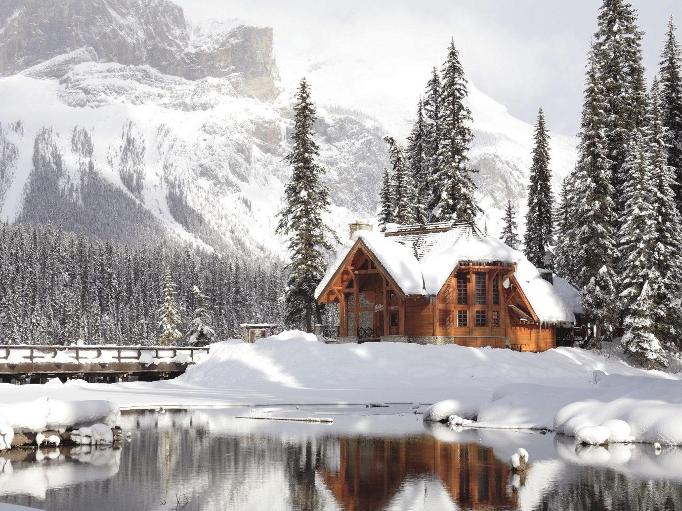 Hotels snow outdoor tree sky Winter Nature mountain wilderness weather covered season geological phenomenon mountain range freezing ice Resort Forest surrounded