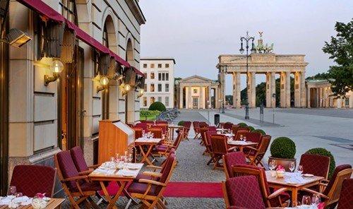 Hotels outdoor chair property restaurant Resort plaza hacienda set