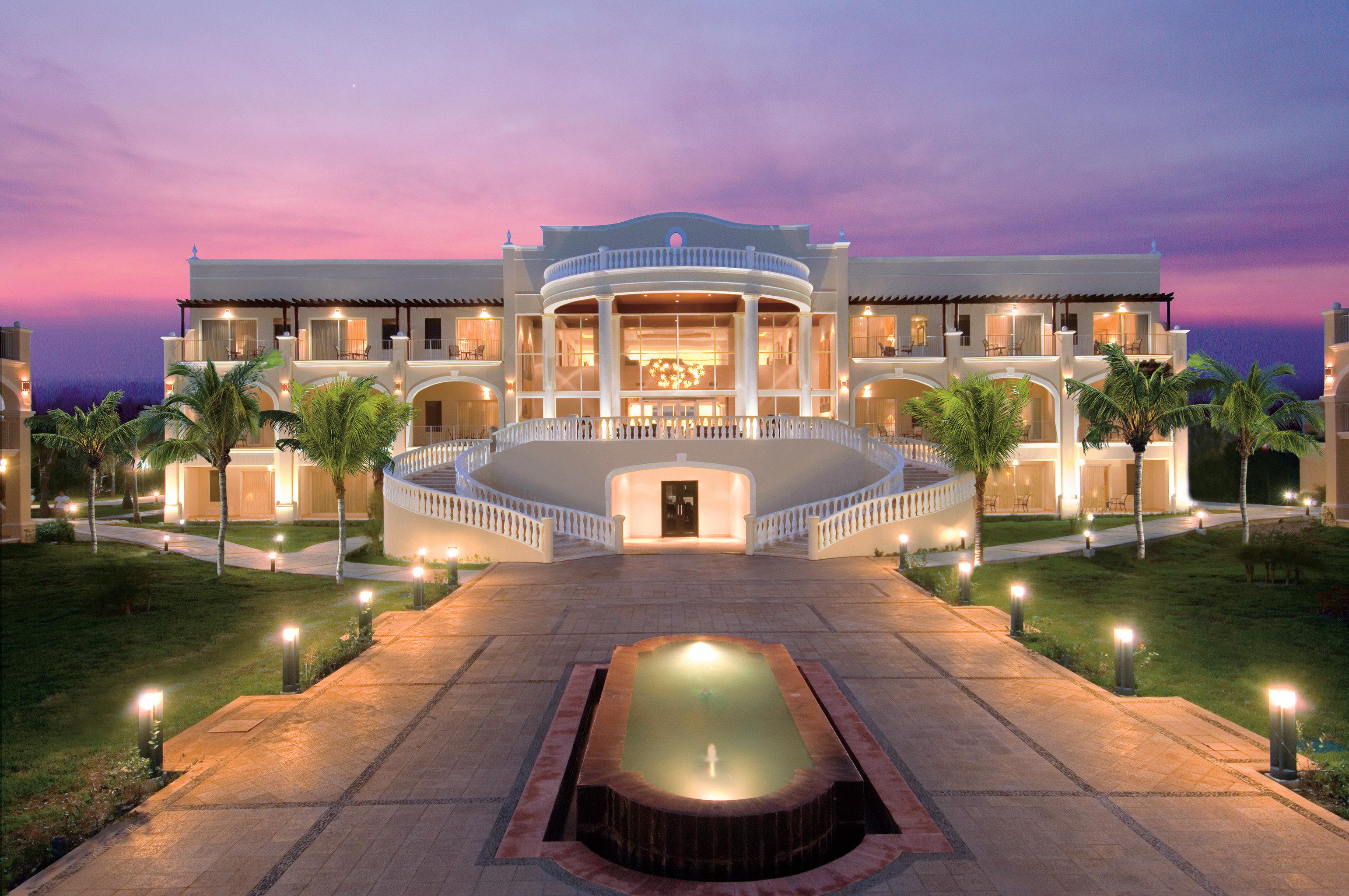 Hotels Romance sky outdoor property estate Resort mansion condominium home plaza real estate