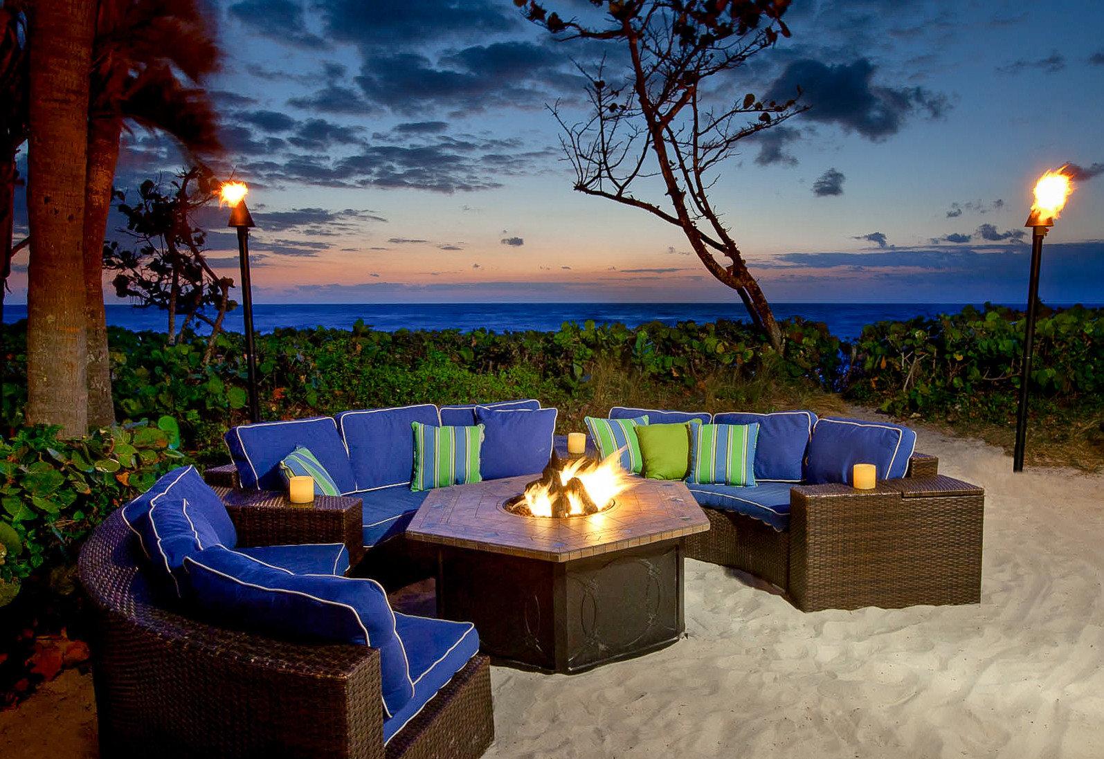 Trip Ideas tree sky property vacation estate swimming pool house Villa home Resort real estate Beach backyard