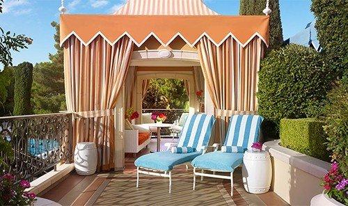 Hotels tree outdoor property Villa estate Resort cottage home outdoor structure real estate backyard interior design porch mansion furniture
