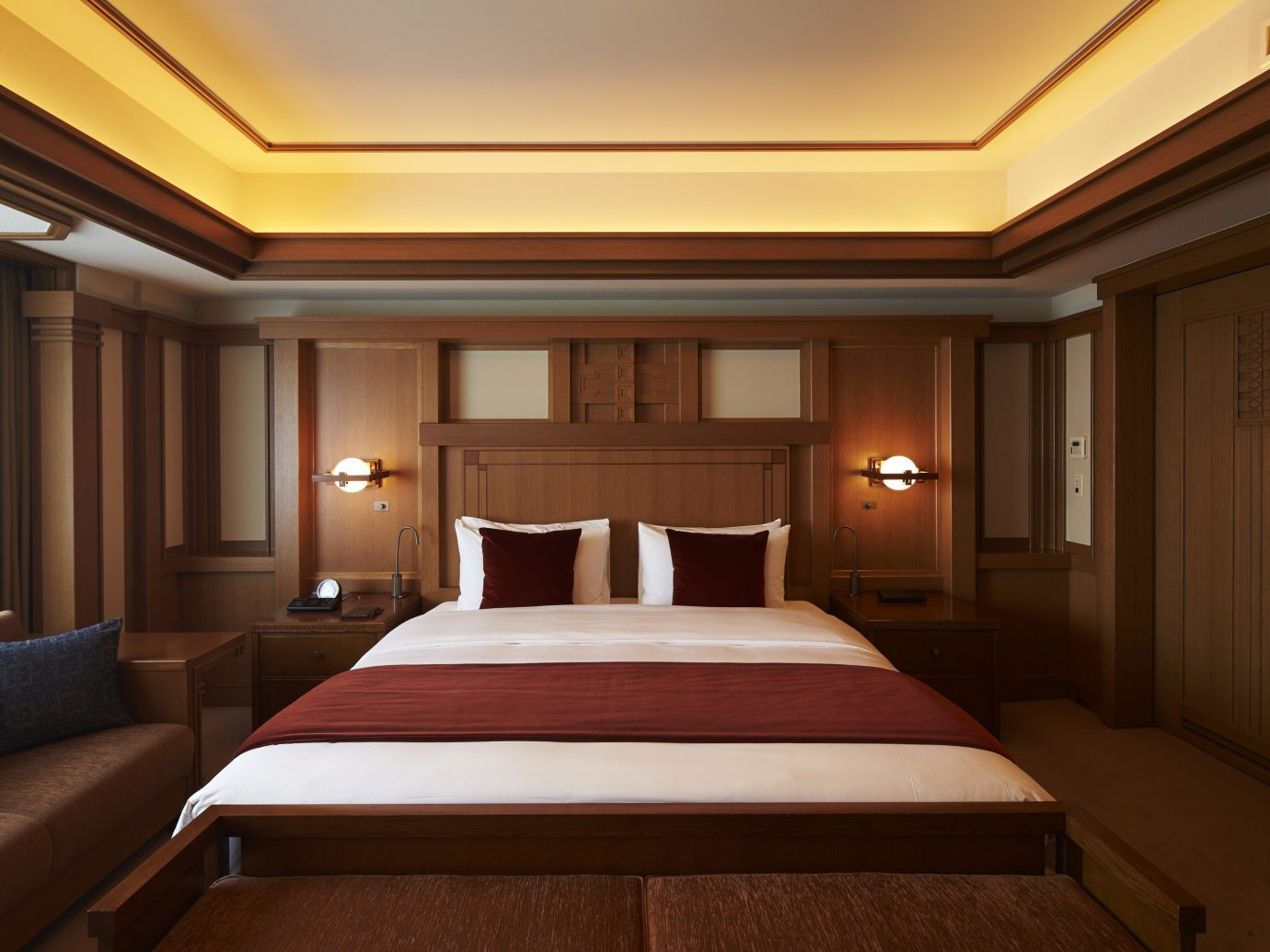 Hotels Japan Tokyo bed wall indoor ceiling room floor Bedroom hotel Suite interior design estate yacht billiard room recreation room conference hall