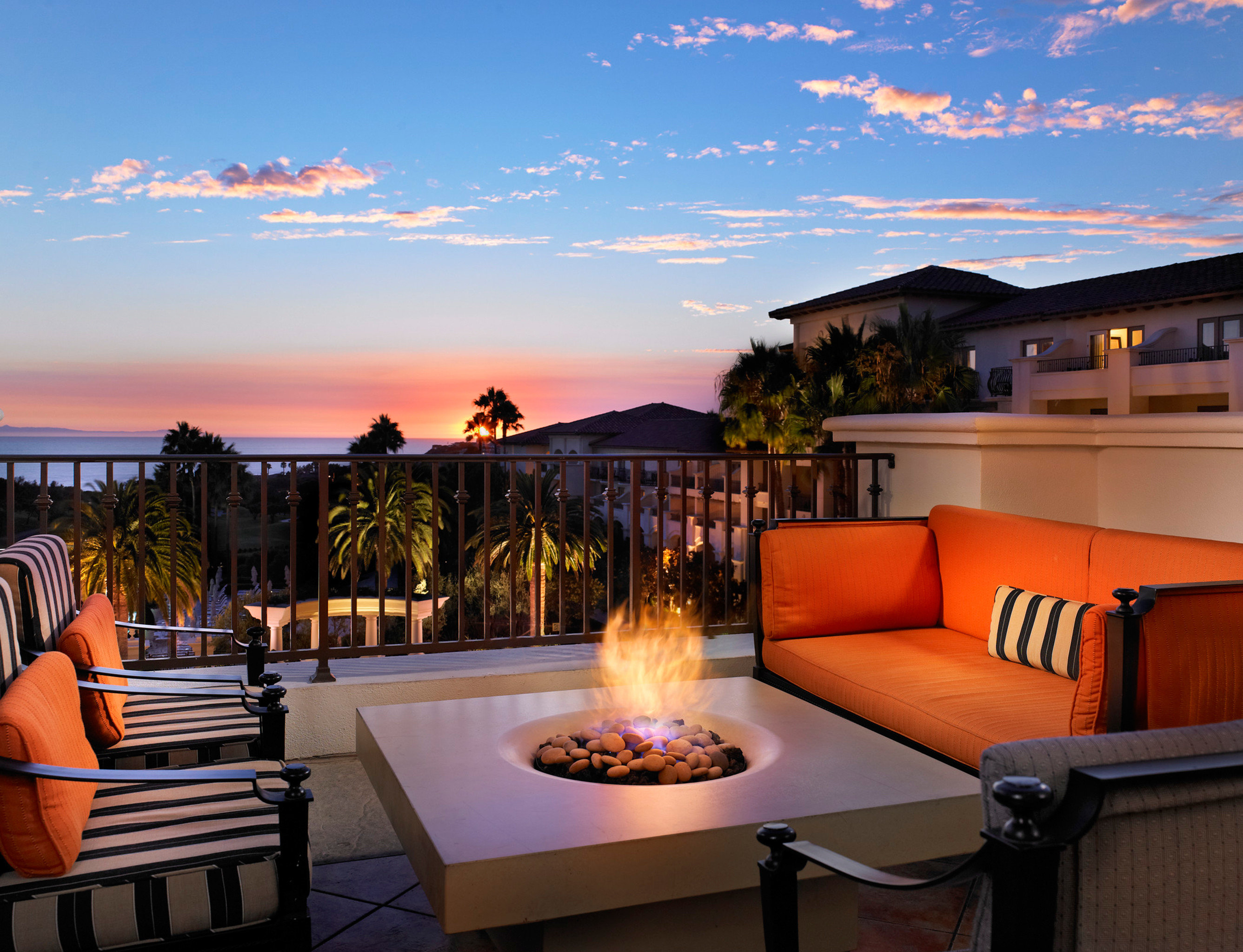 Hotels Living Lounge Luxury Sky Orange Outdoor Property Estate House Vacation Home Resort Sunset Real
