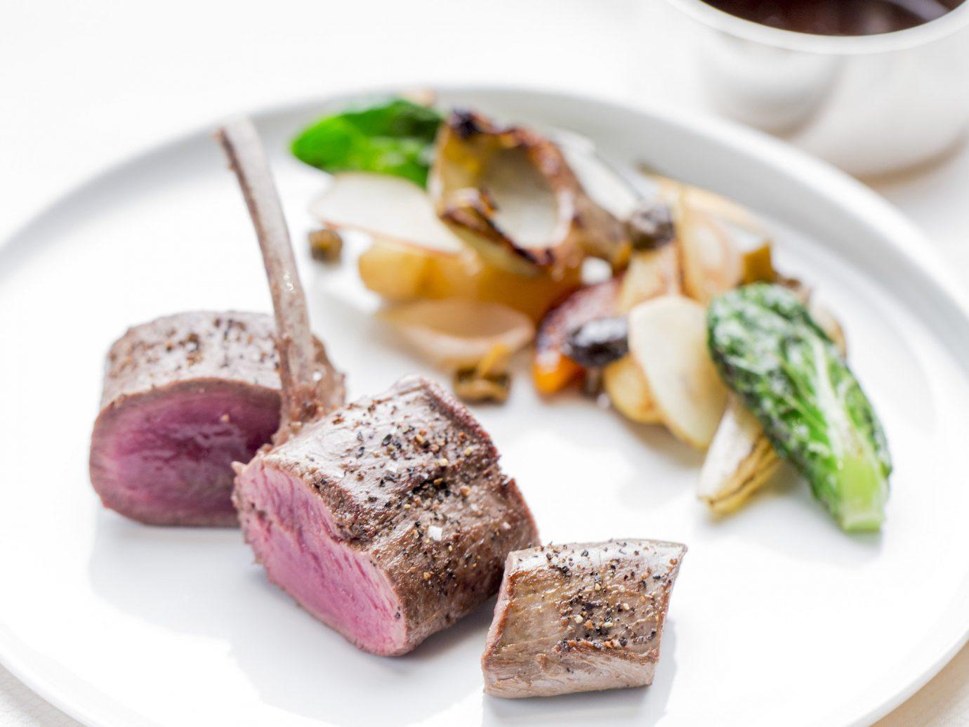 plate food dish produce cuisine slice meal meat dessert breakfast arranged sliced piece de resistance