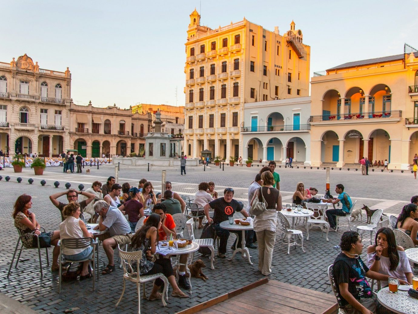 Jetsetter Guides building outdoor sky person plaza Town group landmark people tourism palace town square human settlement vacation ancient rome ancient history tours travel crowd