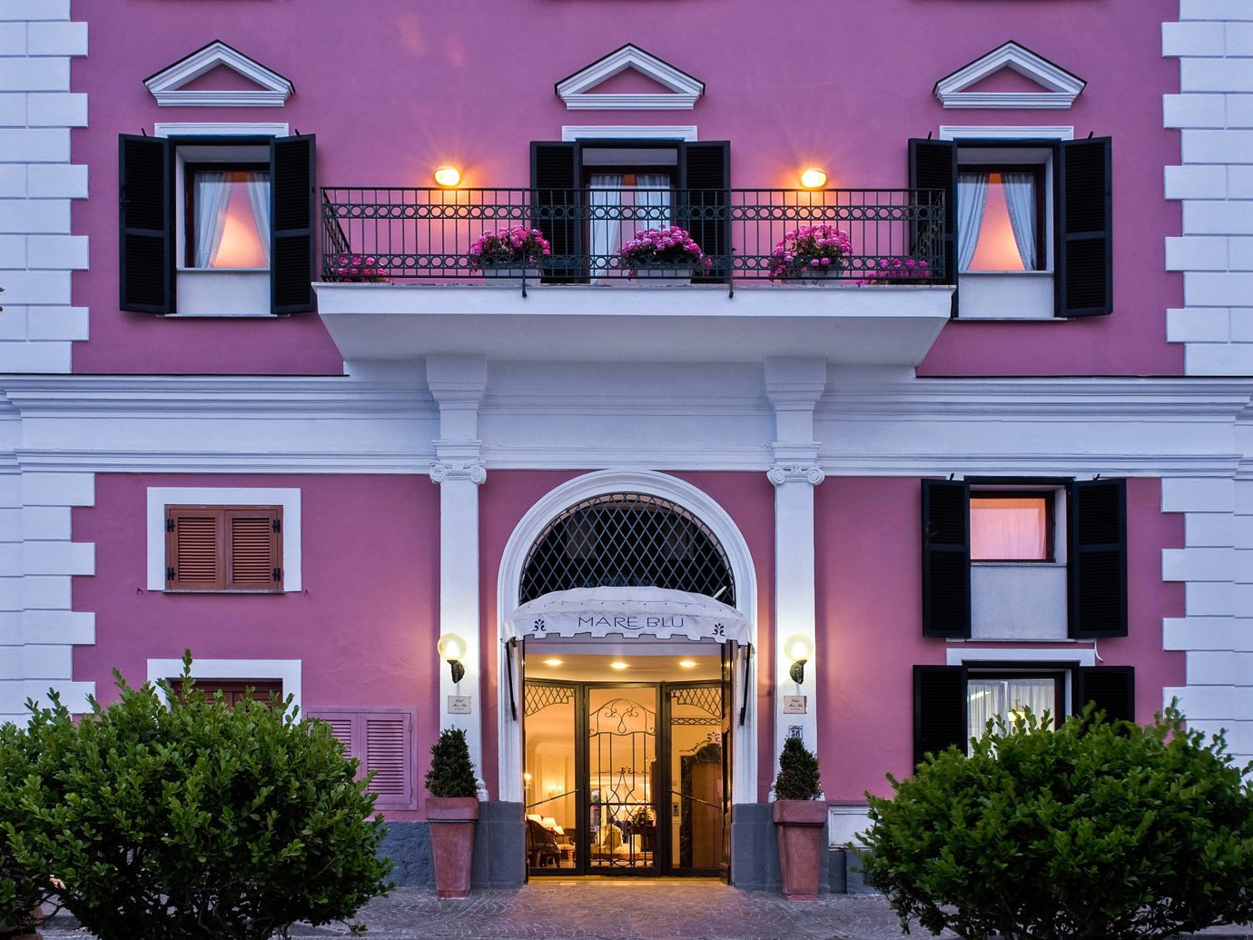 Exterior Hip Travel Trends Trip Ideas building outdoor house home Architecture facade mansion estate interior design Courtyard purple stone