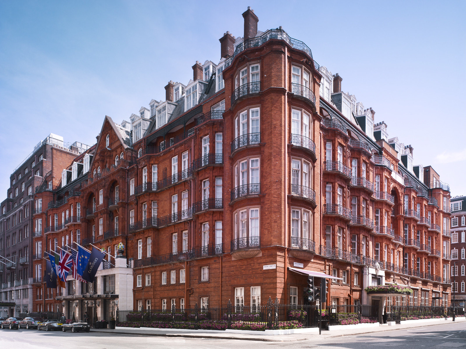 Hotels London Luxury Travel outdoor sky street Town landmark neighbourhood City urban area Architecture Winter human settlement residential area tower block apartment building cityscape Downtown facade plaza waterway tall government building
