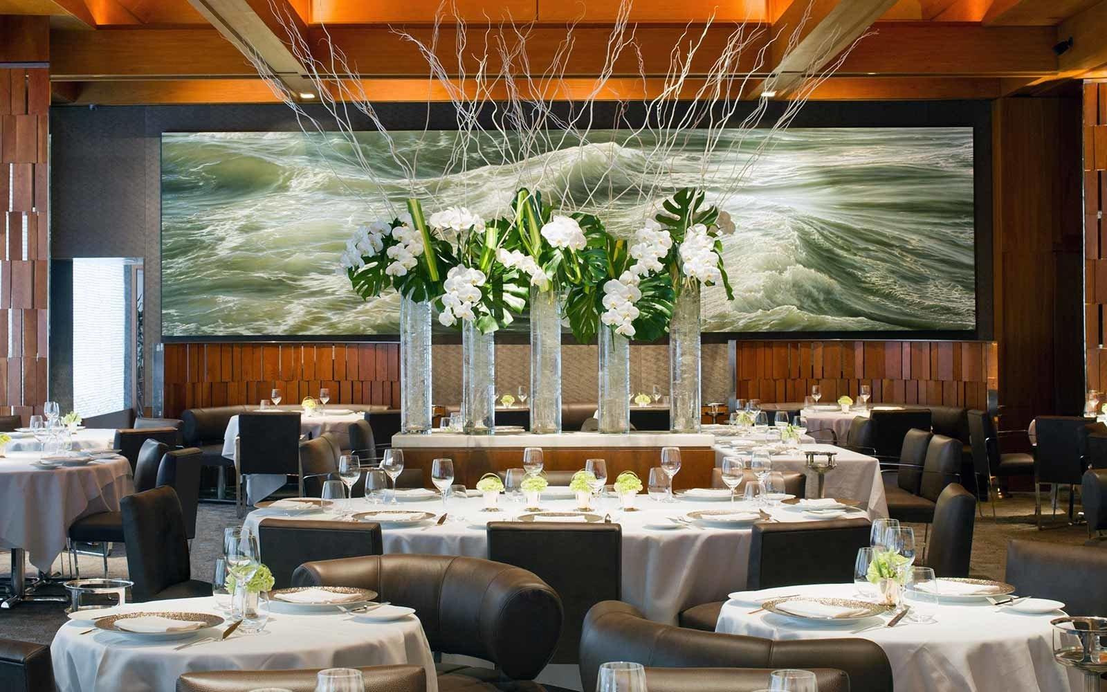 Food + Drink table indoor function hall window restaurant banquet conference hall tableware interior design Dining ballroom ceremony