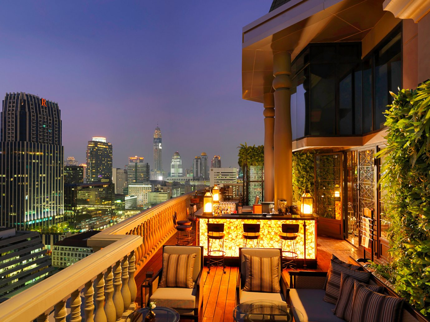 Bar City Drink Elegant Hotels Lounge Nightlife Rooftop Scenic views Shop outdoor metropolitan area building night human settlement urban area neighbourhood cityscape Architecture metropolis Downtown evening residential area estate condominium