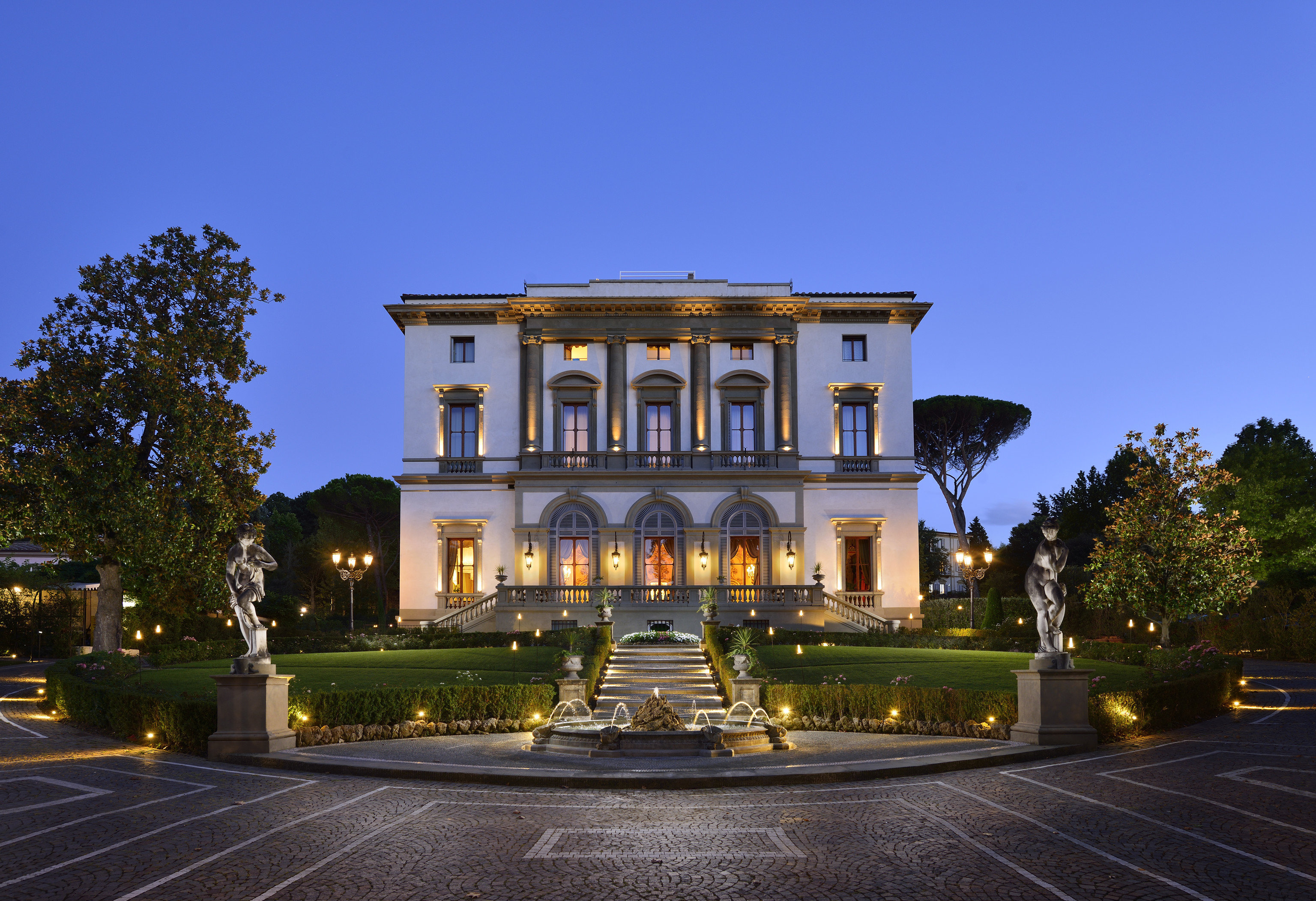 Florence Hotels Italy sky outdoor road landmark estate building house Architecture mansion home palace facade City stately home château plaza government building