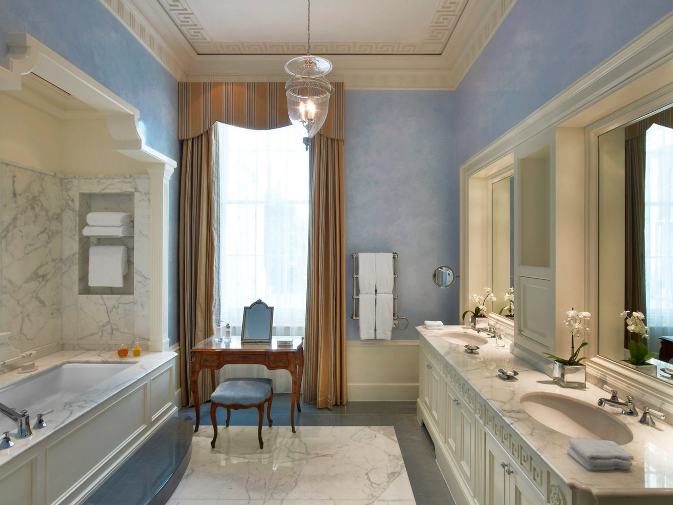 Bath Elegant Hotels London Lounge Luxury Travel indoor wall bathroom floor window sink room property mirror estate home interior design real estate mansion ceiling Suite daylighting counter living room tub bathtub