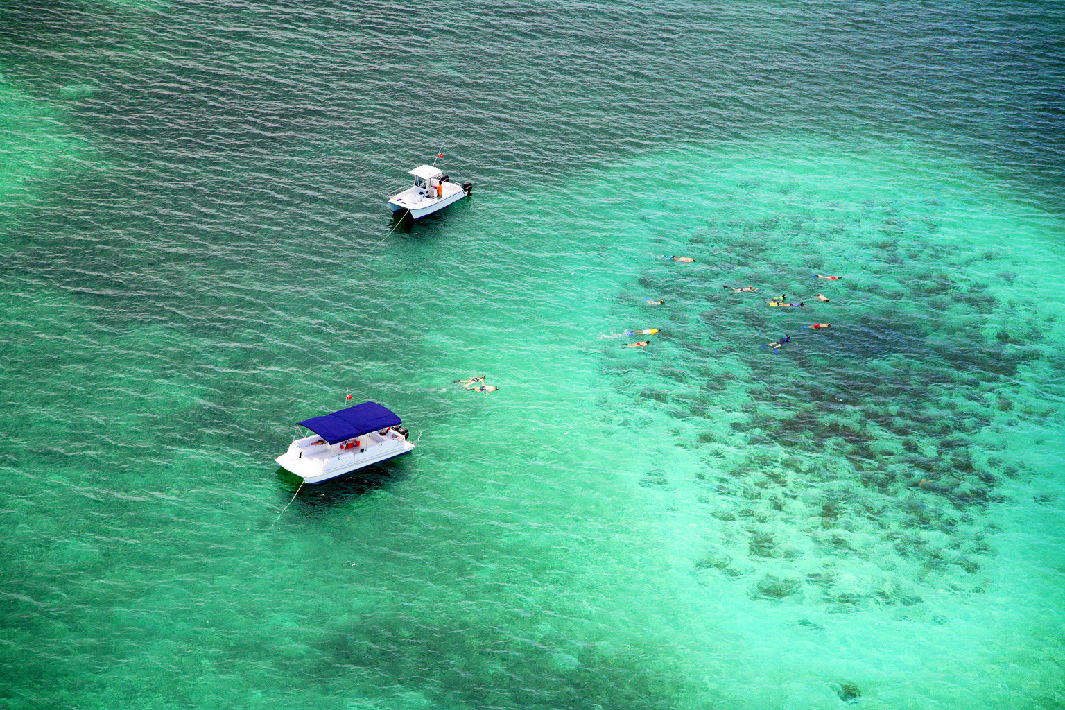 Beachfront Boat Eco Hotels Play Resort Romance Scenic views water outdoor Sea floating Ocean underwater reef swimming surrounded