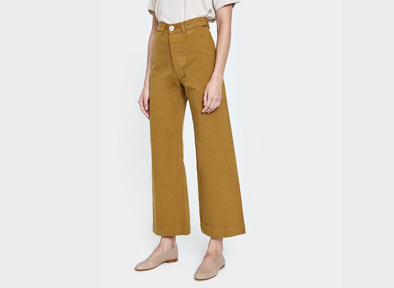 Travel Shop Travel Trends clothing khaki jeans trousers trouser waist joint pocket active pants denim posing dressed