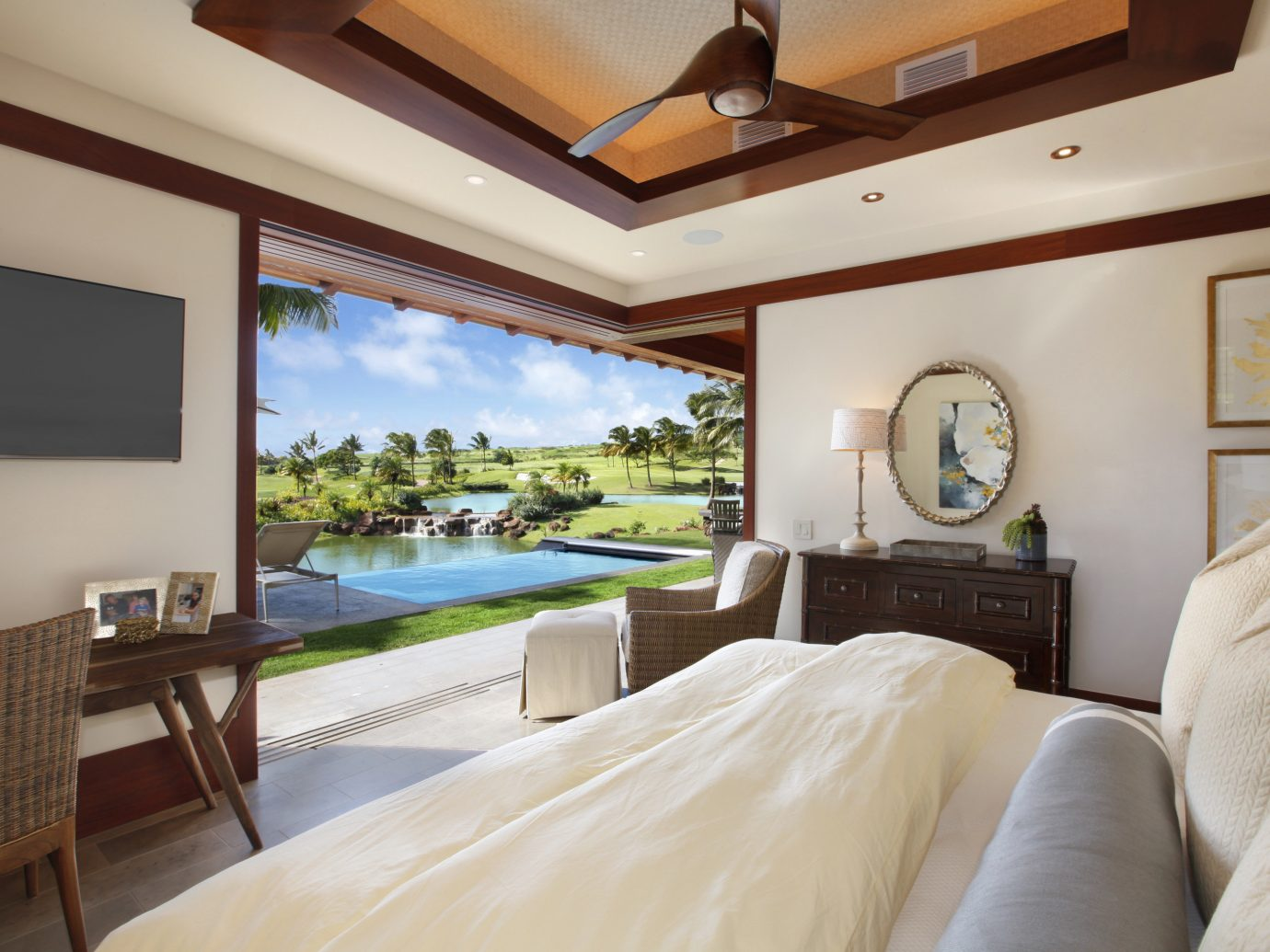Greenery Hotels lakes Luxury open-air outdoor pool Pool remote Romance Scenic views Tropical view bed indoor wall room Bedroom property estate hotel ceiling Suite Villa home interior design Resort