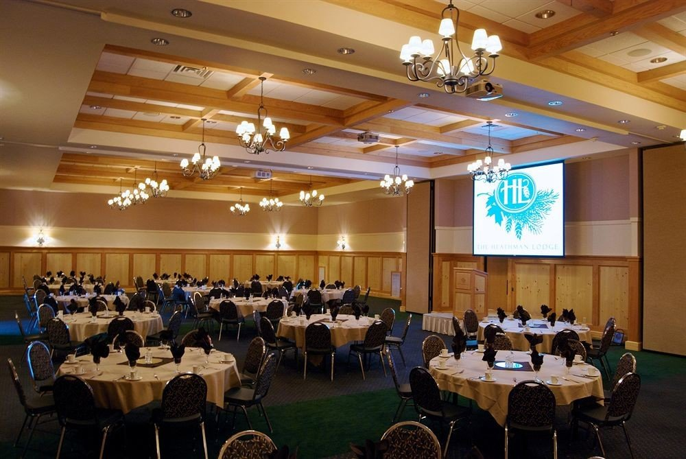 auditorium function hall conference hall academic conference scene convention seminar meeting event convention center banquet ballroom