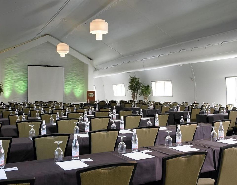 function hall conference hall auditorium meeting convention seminar convention center academic conference ballroom restaurant banquet long set