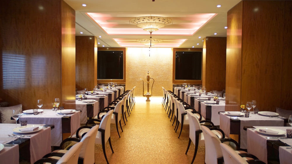 function hall conference hall auditorium restaurant meeting convention center convention ballroom academic conference long set