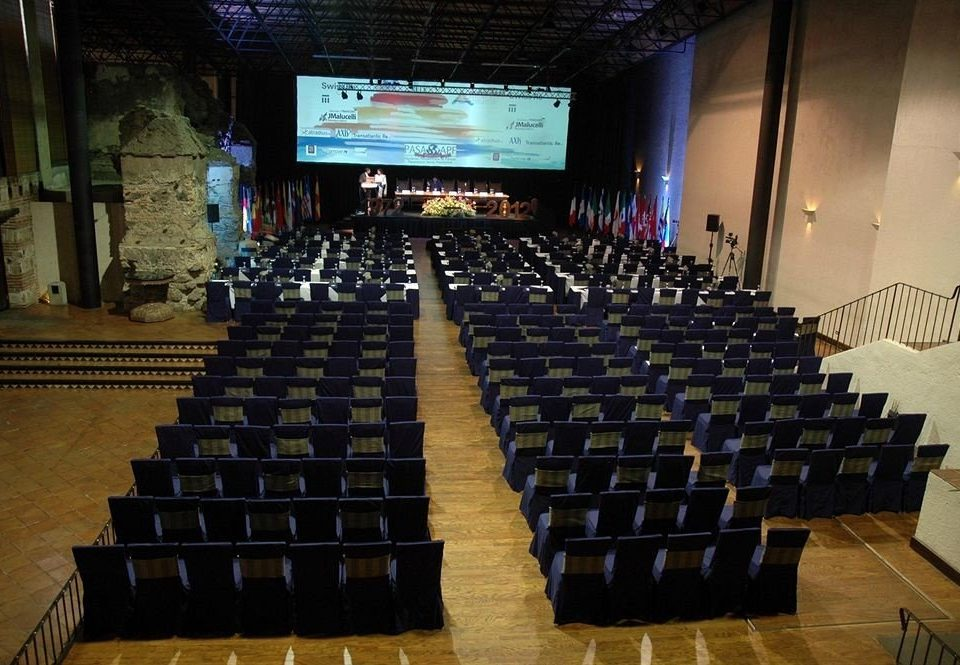 auditorium convention academic conference conference hall theatre