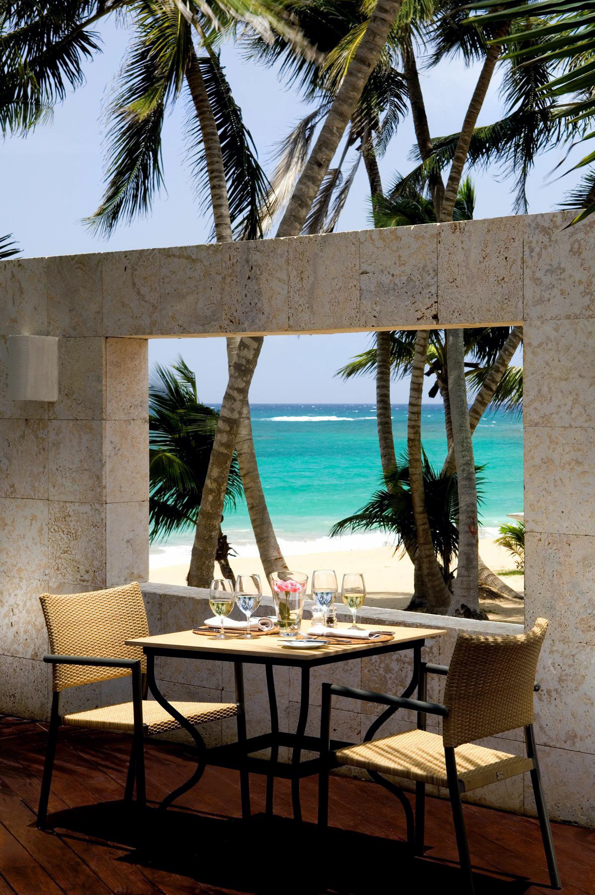 Adult-only All-inclusive Beach Beachfront Boutique Dining Eat Honeymoon Romance tree plant property palm home Villa Resort caribbean Pool restaurant