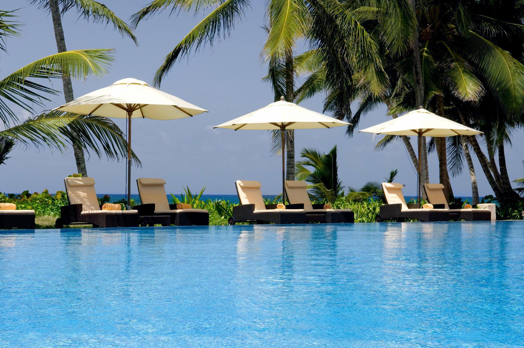 Adult-only All-inclusive Honeymoon Pool Romance tree water leisure swimming pool Resort caribbean arecales Ocean Sea Lagoon Villa Beach tropics lined