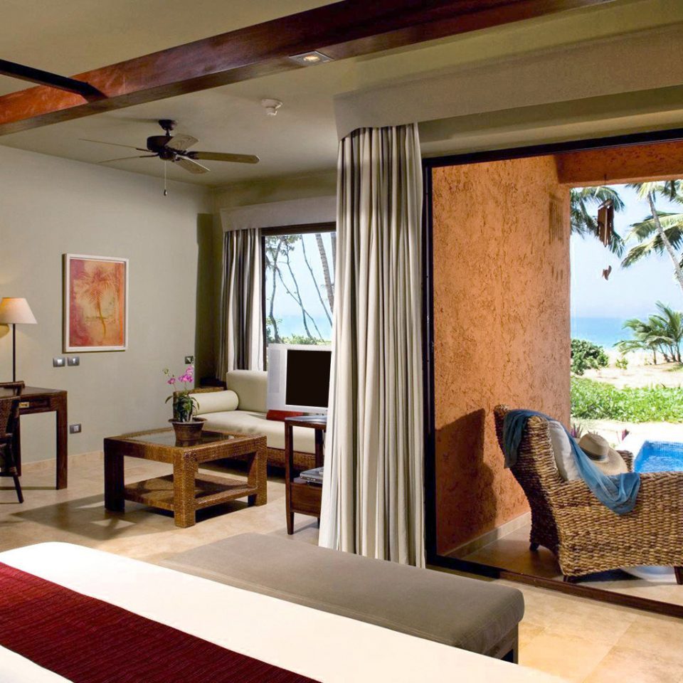 Adult-only All-inclusive Beachfront Boutique Honeymoon Romance Suite property living room Villa home condominium cottage Resort Bedroom