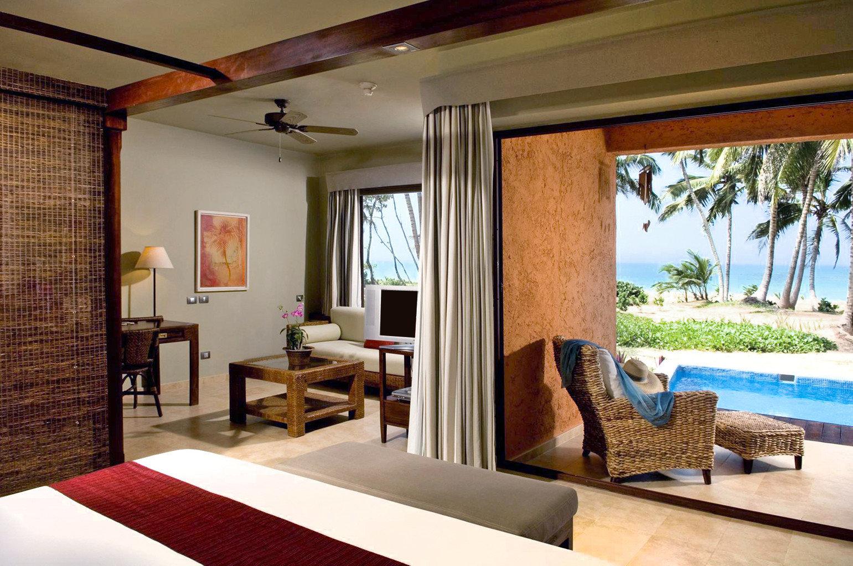 Adult-only All-inclusive Beachfront Boutique Honeymoon Romance Suite property living room Villa home condominium cottage Resort Bedroom