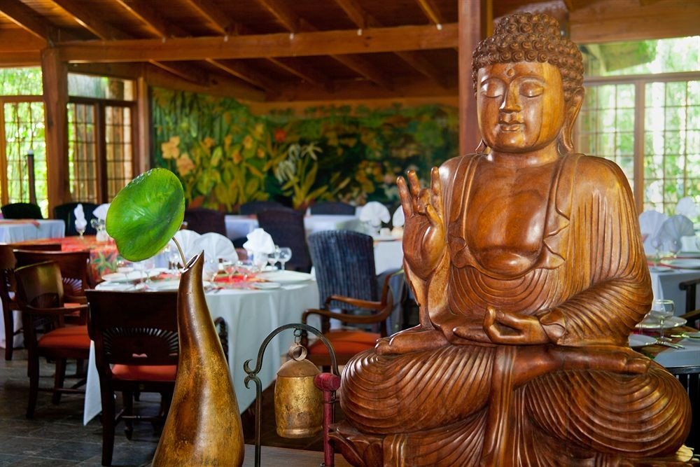 Adult-only All-inclusive Beachfront Dining Drink Eat Tropical art carving ancient history wat temple