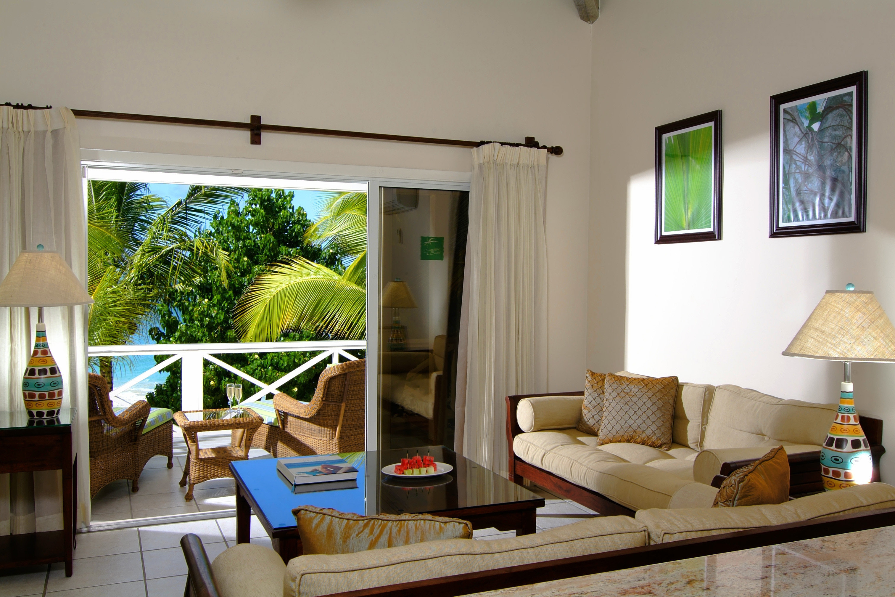Adult-only All-inclusive Beachfront Luxury Resort property living room home condominium Villa cottage farmhouse Suite