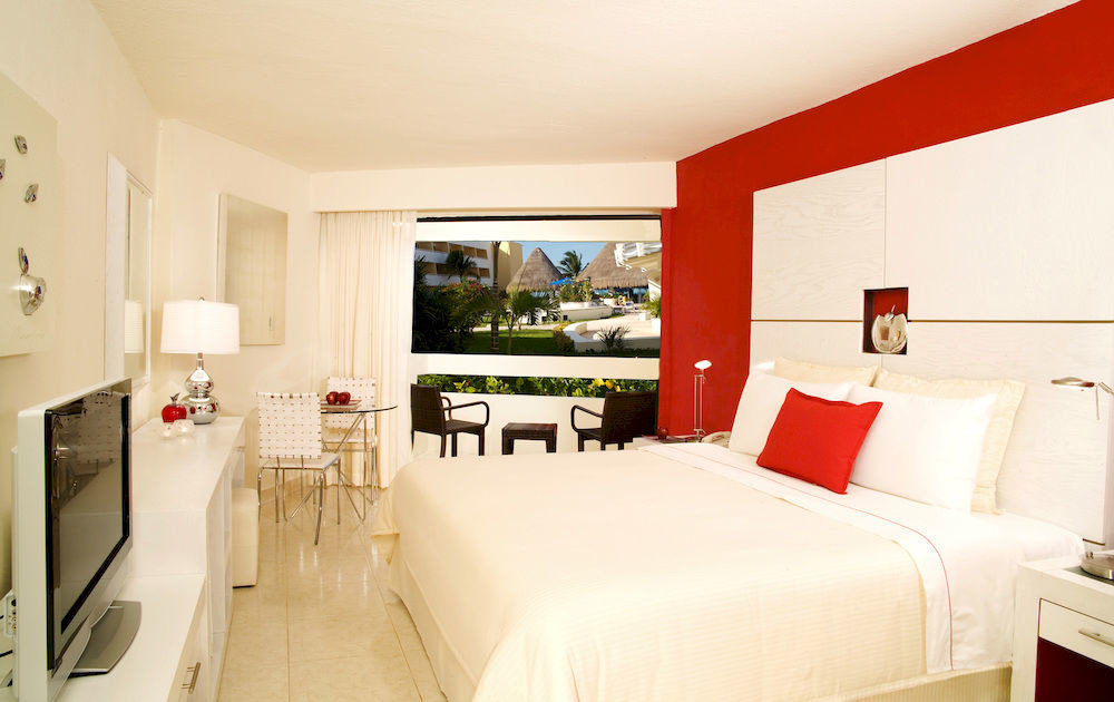 Adult-only All-inclusive Bedroom Modern Waterfront property red Suite home cottage living room Villa farmhouse