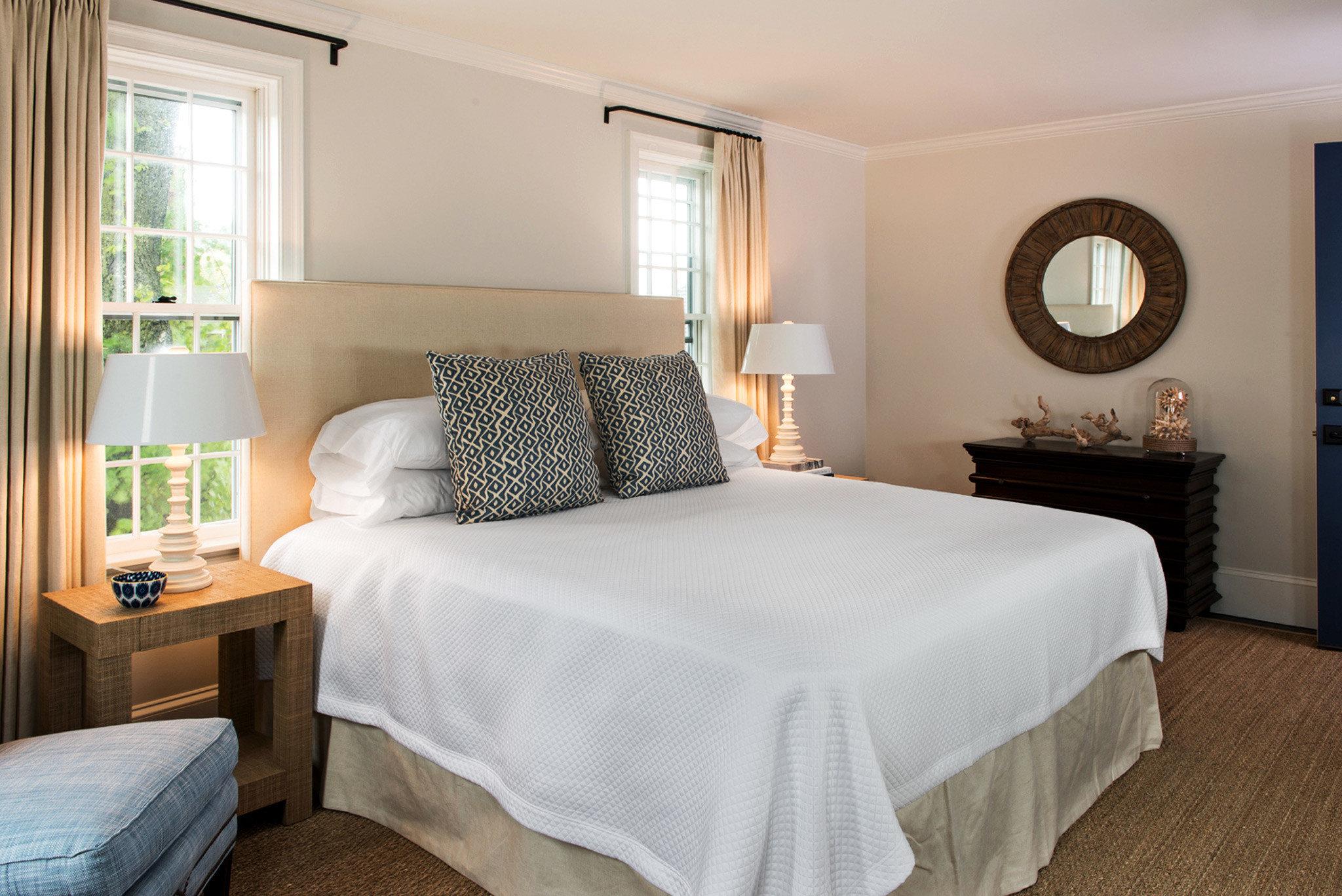 Adult-only B&B Bedroom Boutique Elegant property Suite cottage bed sheet