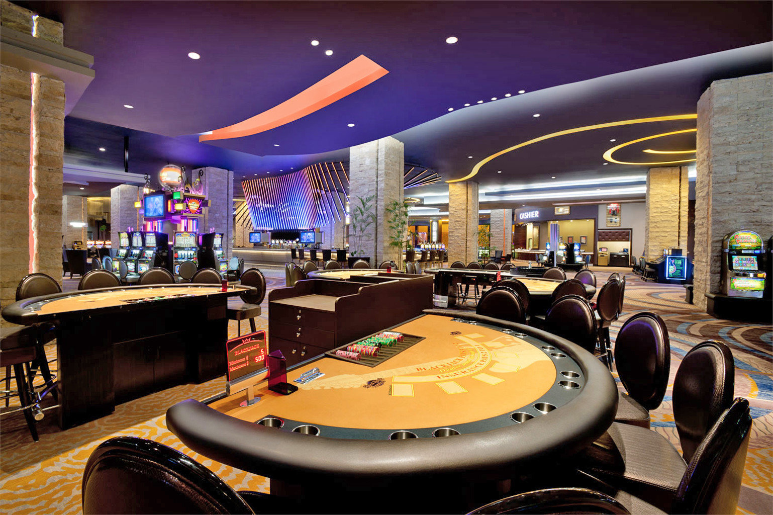 Adult-only Bar Casino Drink Nightlife Play recreation room building conference hall function hall convention center Lobby