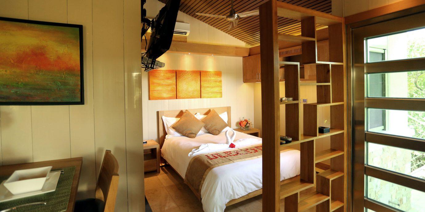 Adult-only Bedroom Resort property home cottage living room Suite
