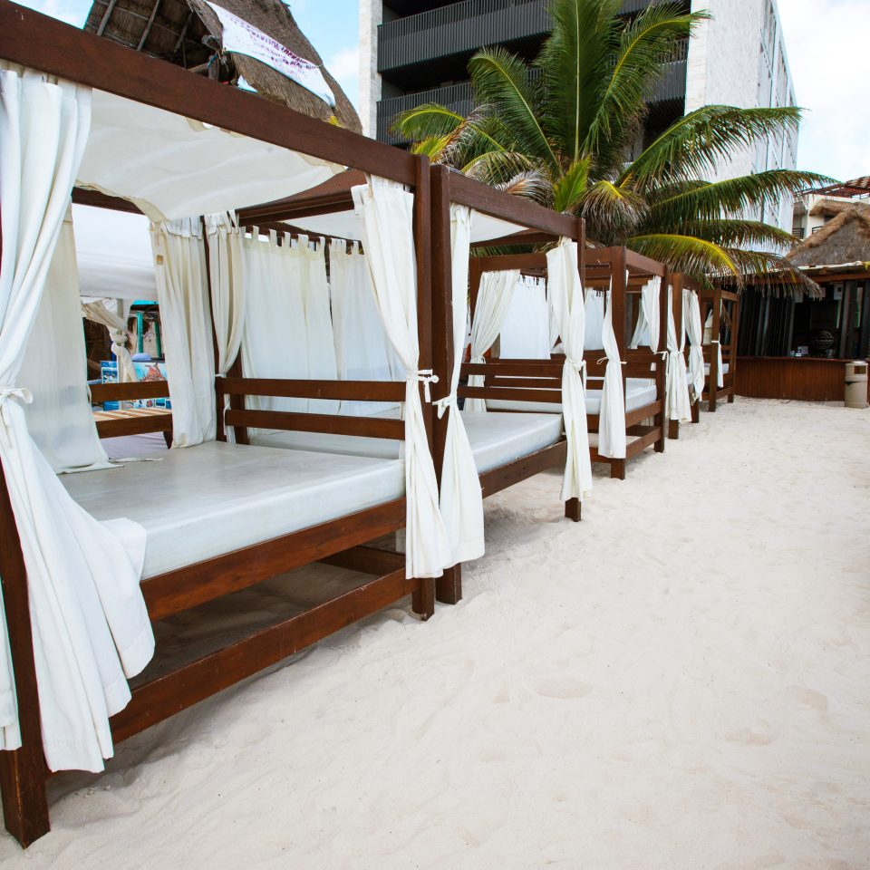 Adult-only Boutique Lounge chair property house Resort home cottage Villa restaurant