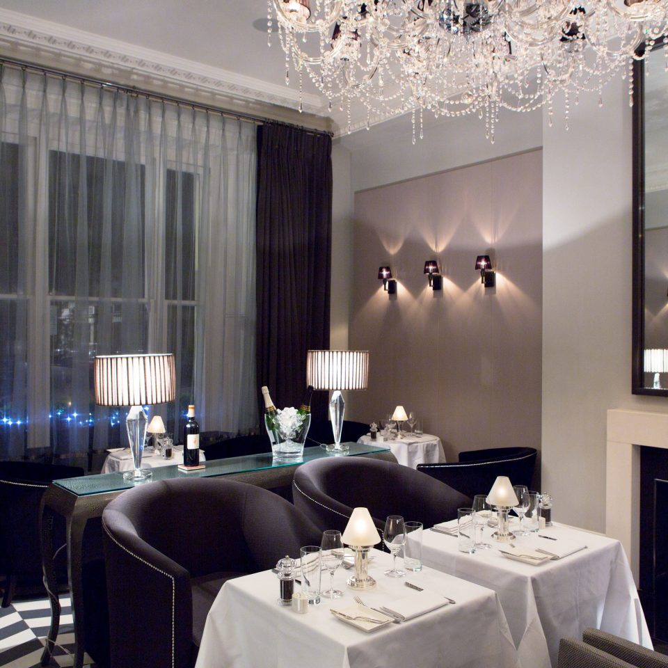 Adult-only Dining Drink Eat Elegant living room lighting Suite restaurant