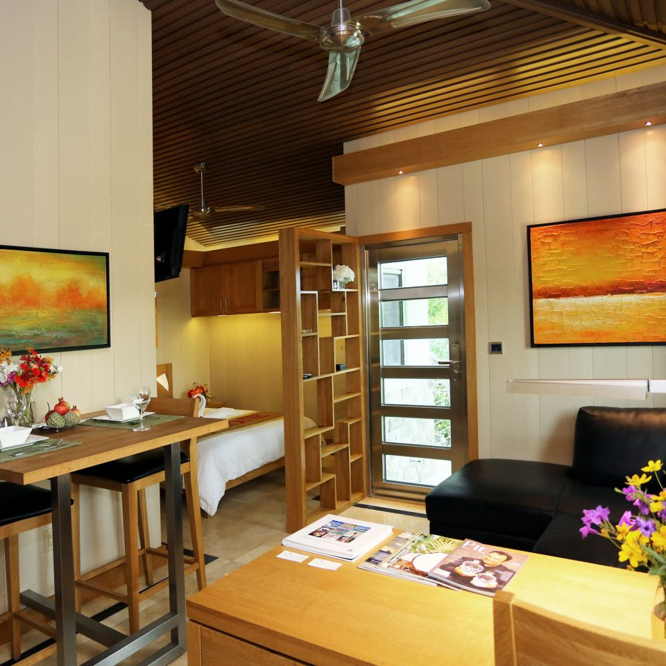 Adult-only Modern Resort property home living room Suite cottage recreation room Villa condominium