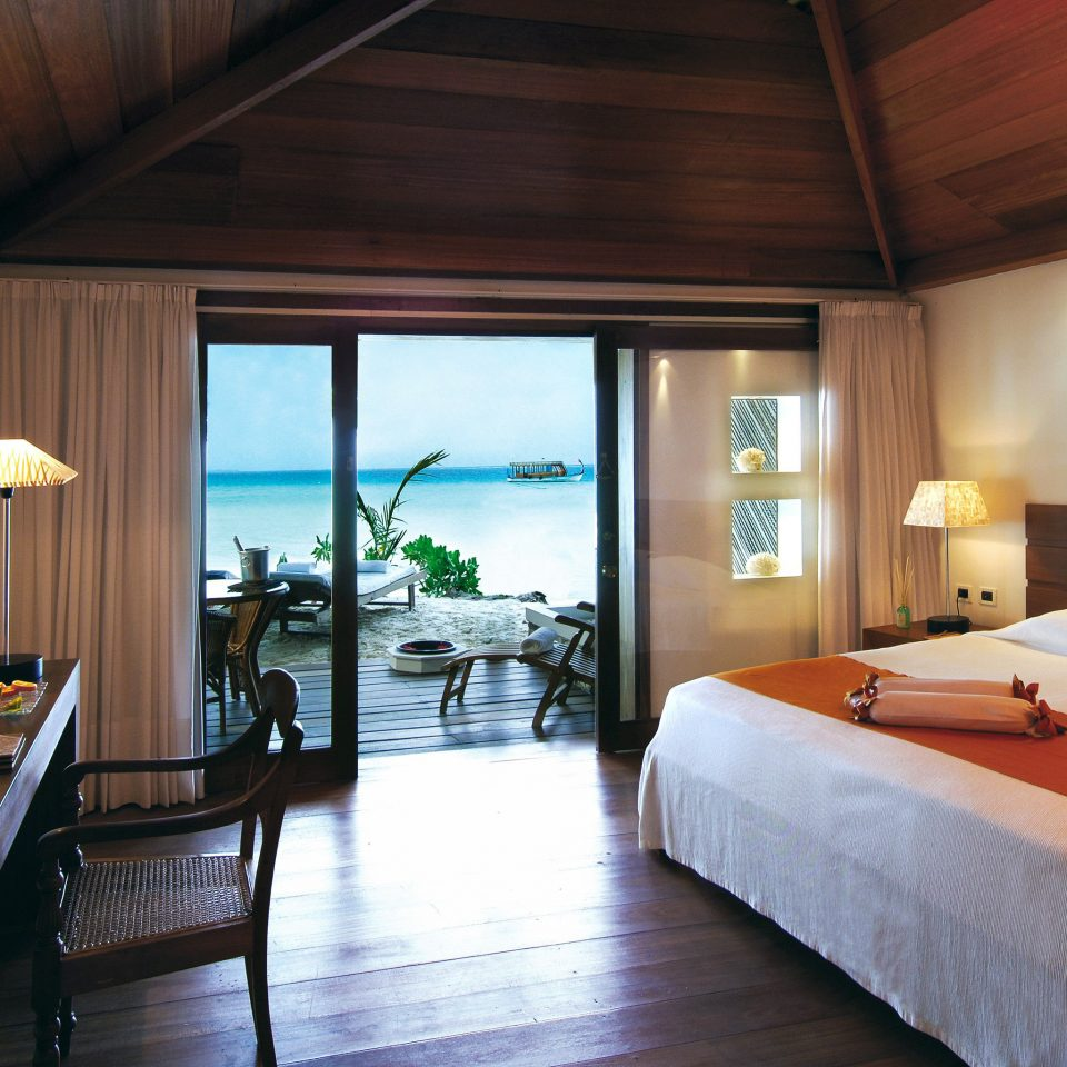 Adventure All-inclusive Beachfront Bedroom Modern property Suite Resort wooden cottage home Villa
