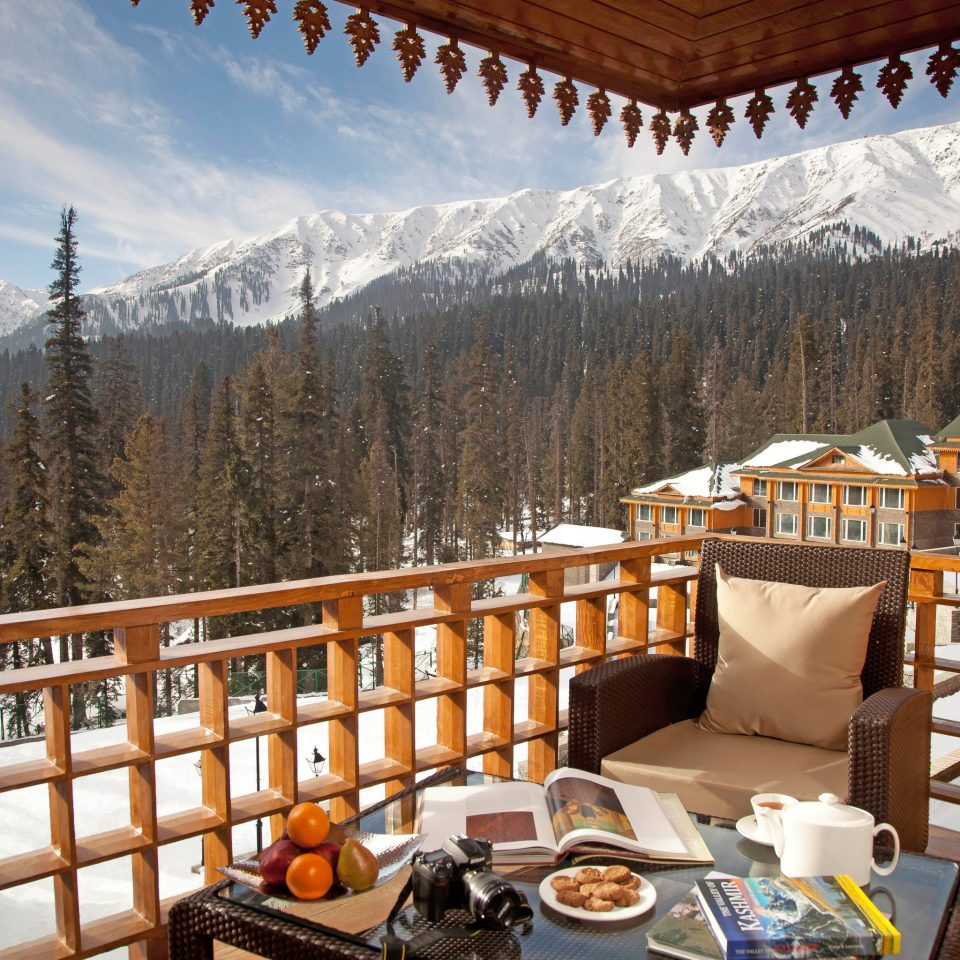 Adventure Balcony Bedroom Cultural Drink Eat Elegant Mountains Scenic views Ski leisure Resort log cabin cottage