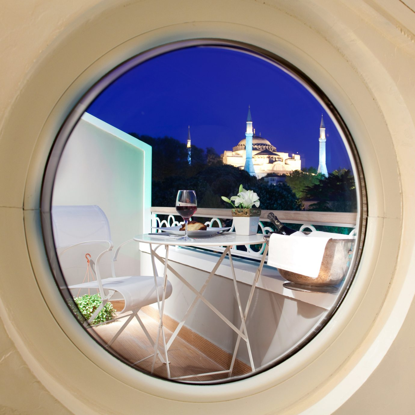 Adventure Boutique City Deck Grounds Hip Modern Nightlife Romance Romantic Scenic views mirror bathroom property porthole home arch white goods round tiled tile Bath