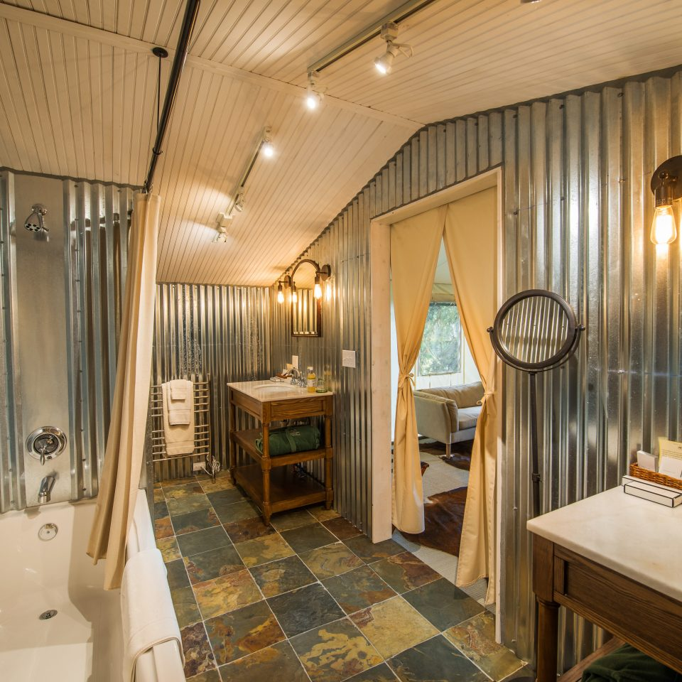 Adventure Bath Country Forest Glamping Mountains Rustic Wellness property curtain Suite home cottage bathroom mansion tub bathtub