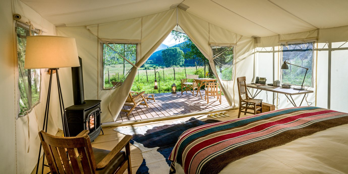 Adventure Bedroom Country Forest Glamping Mountains Rustic Wellness property Resort house Villa cottage home Suite