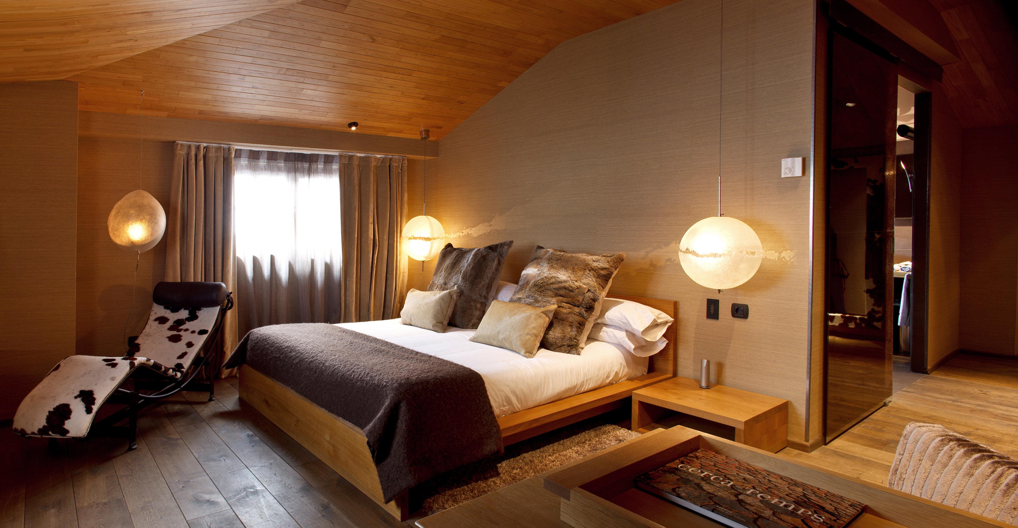 Adventure Bedroom Lodge Resort Rustic property Suite cottage home living room Villa