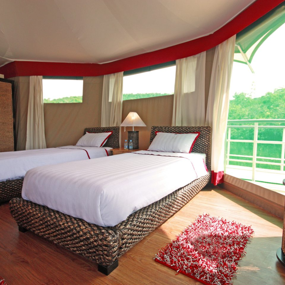 Adventure Bedroom Natural wonders Parks Romance Rustic Scenic views Wellness property cottage Suite Resort Villa