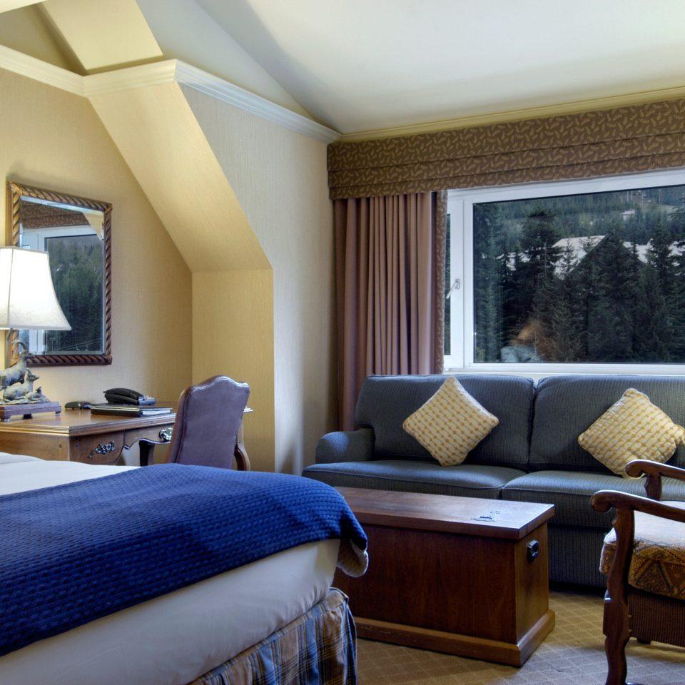 Adventure Bedroom Rustic property Suite living room home condominium cottage