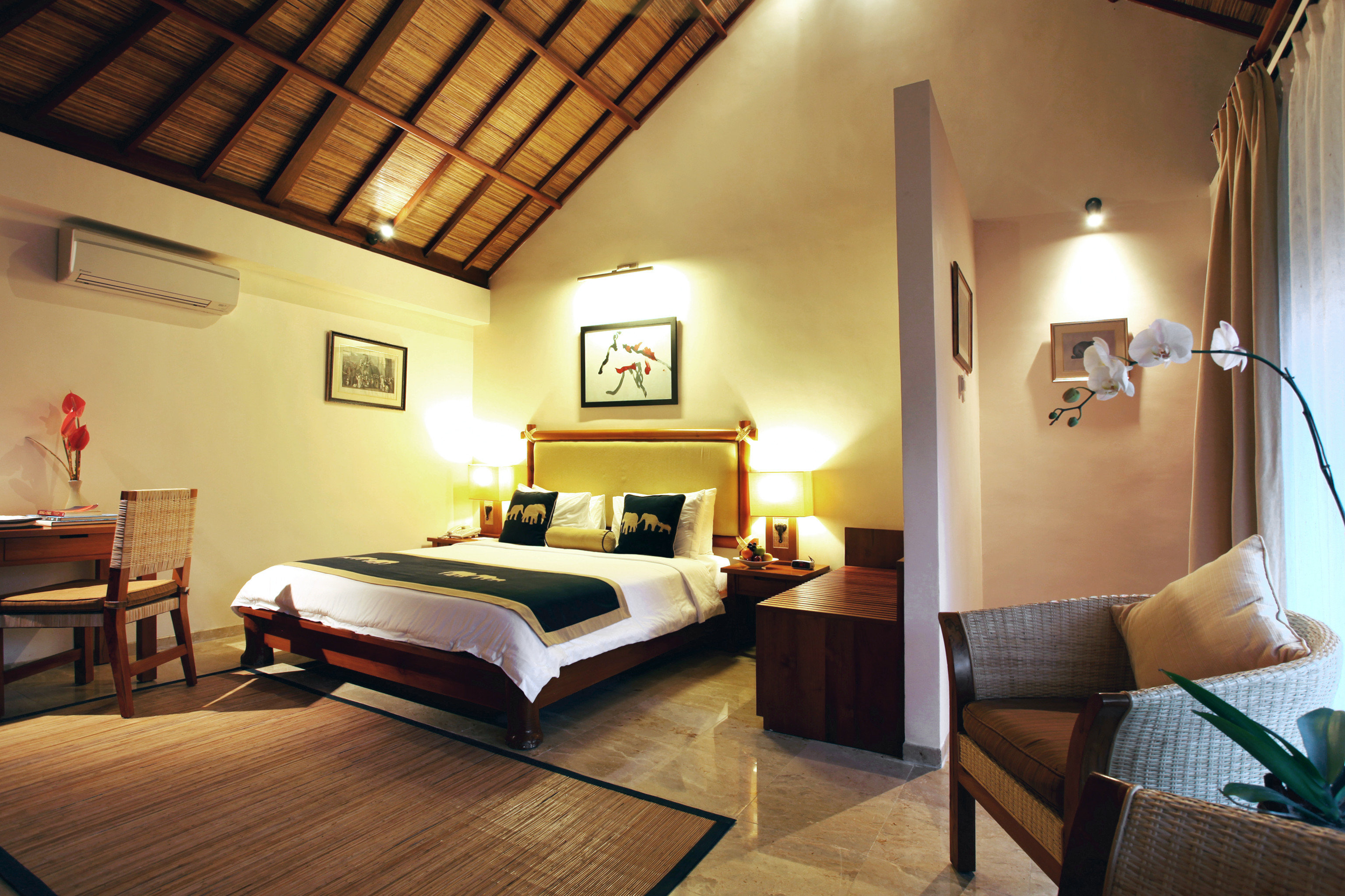 Adventure Bedroom Safari property cottage Suite hardwood home Villa living room