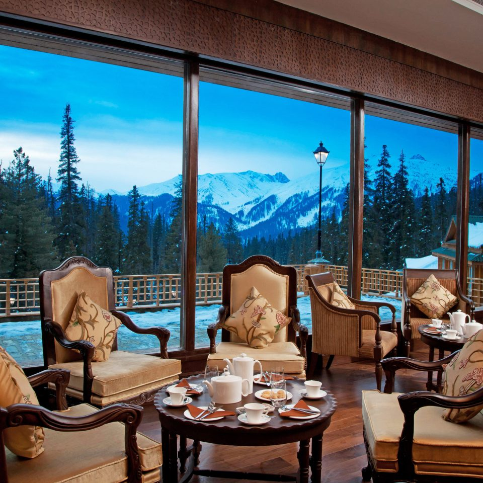 Adventure Cultural Dining Drink Eat Elegant Mountains Scenic views Ski property Resort home living room Villa condominium overlooking